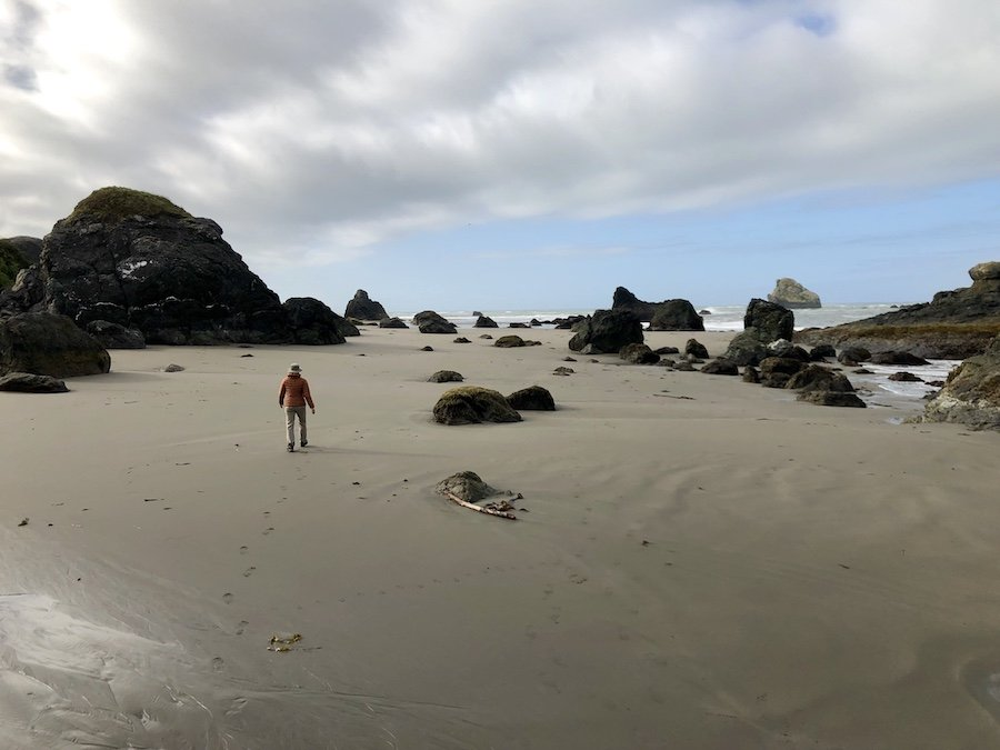 Beach walk on Harris Beach